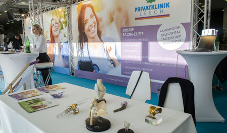 Messestand der Privatklink Leech.
